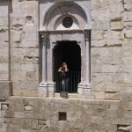 Castel del Monte: Syusy into the fortress