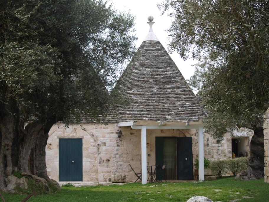 trullo in the Valle d'Itria