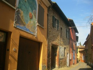 houses with painted walls