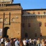 Ferrara, Estense castle and buskers