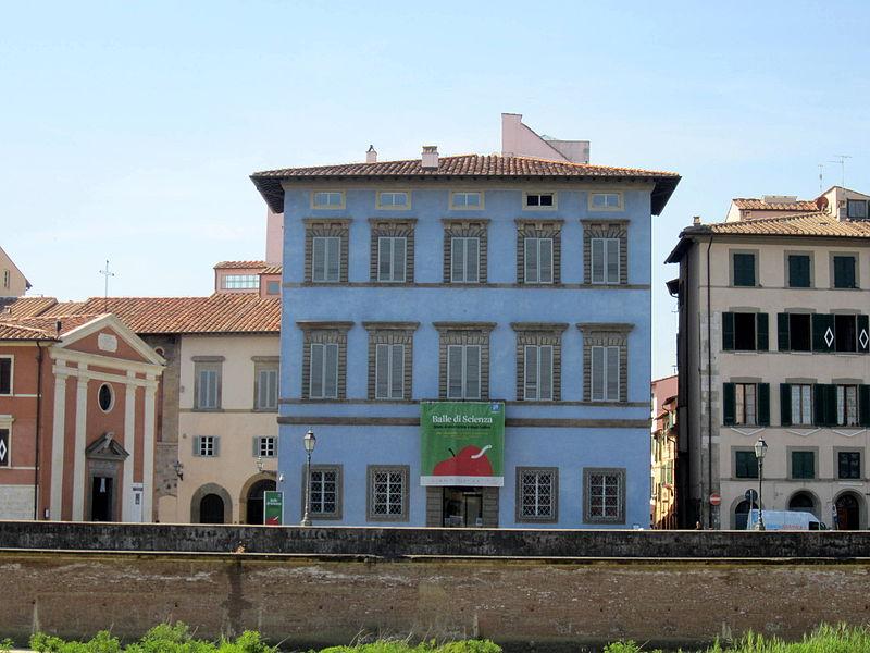 Pisa, Palazzo Blu. Pic by Luca Aless (Wikipedia)