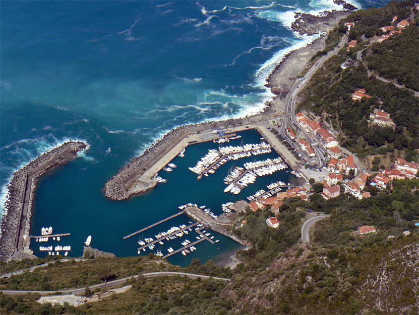 Maratea's harbour. Pic by Flickr User mozzercork