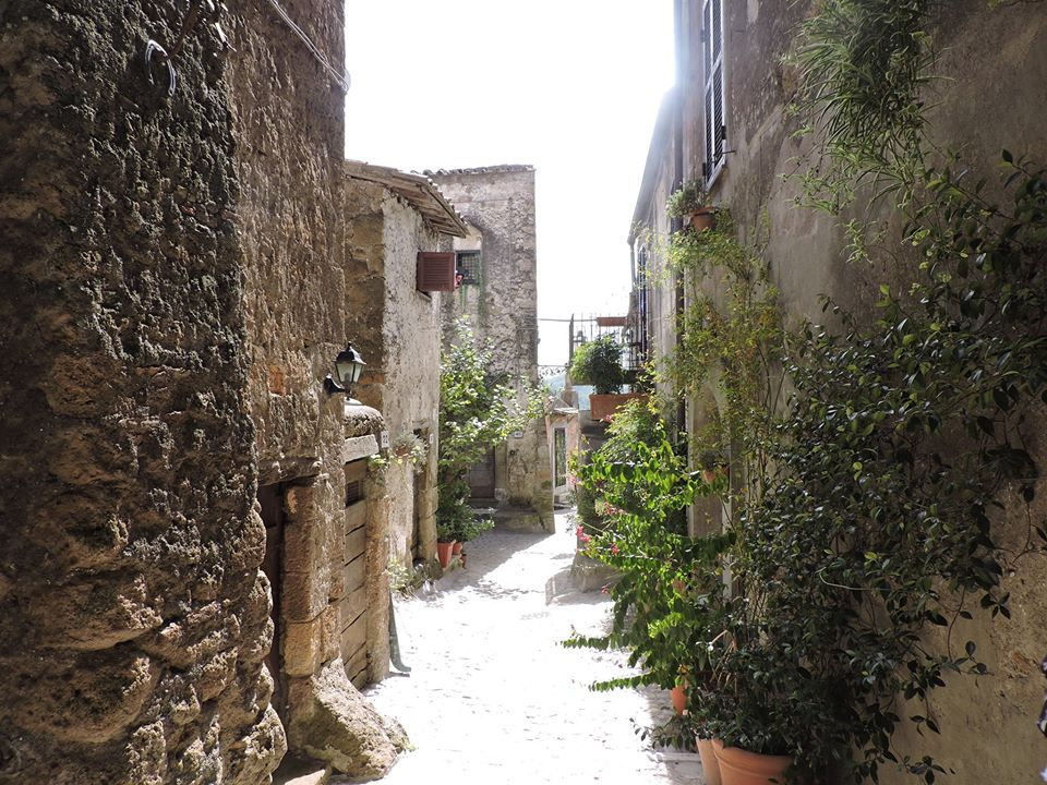 Calcata - Around town