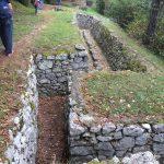 Val di Gresta. Rocks trenches