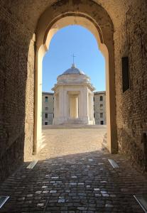 Ancona, Mole Vanvitelliana, tiny temple