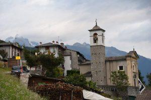 Cadelpicco - town church