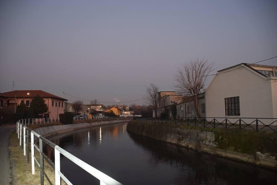 Naviglio Martesana at dusk