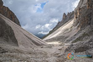 "Going down from the ""Forcella del Sasso Lungo"""