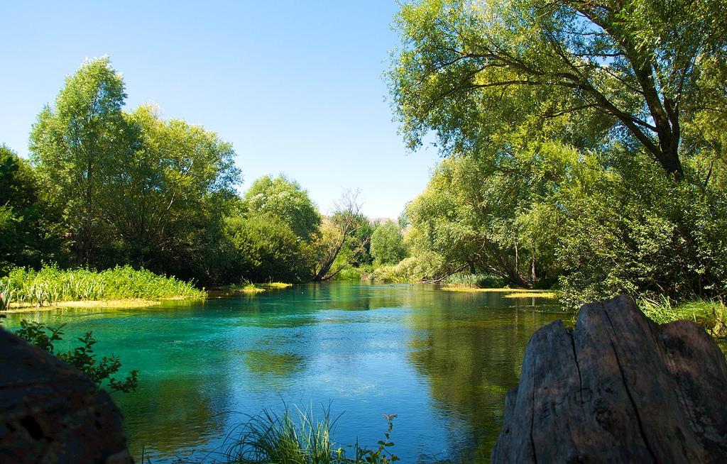 Abruzzo, Tirino River, pic by alessandro_giangiulio