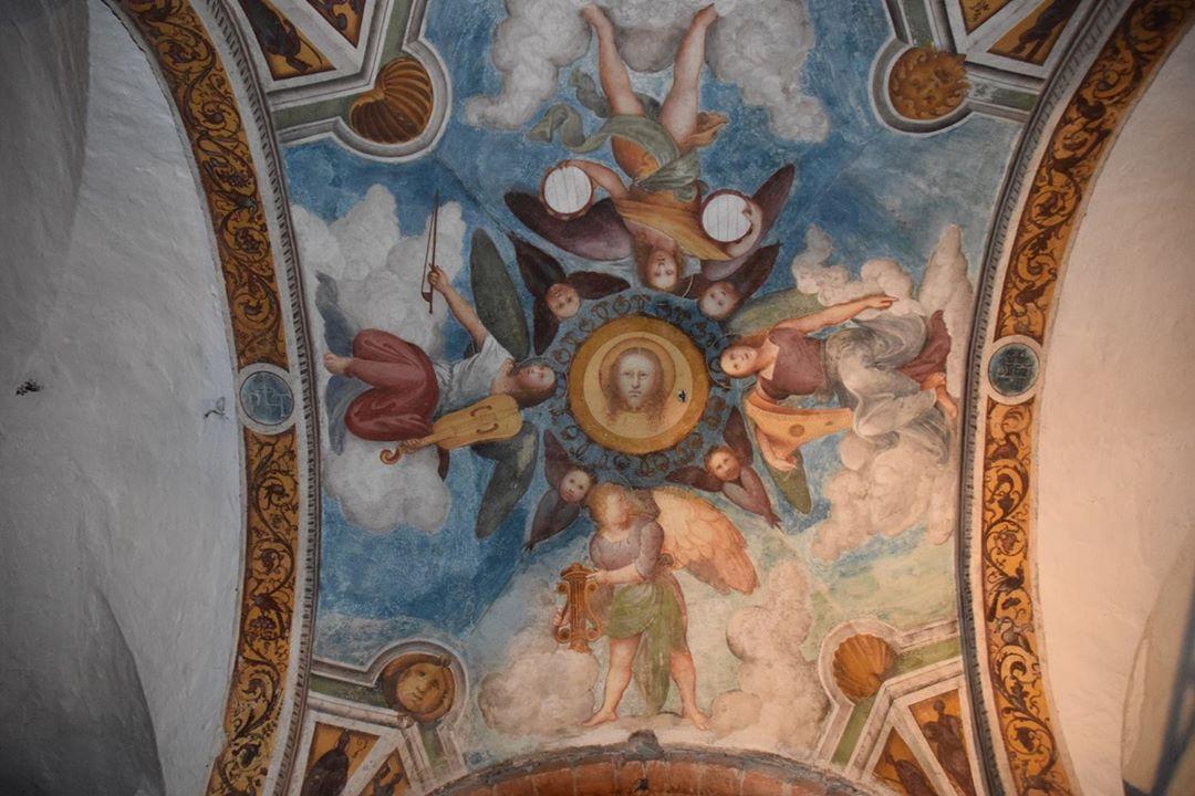 Basilica di San Teodoro - colorful ceiling