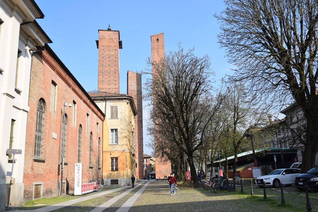 Pavia, Torri Gentilizie
