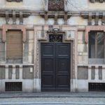 Pavia, pretty door!