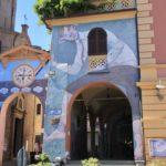 The giant, Dozza street art