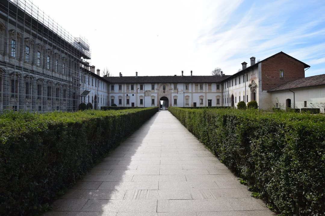Certosa di Pavia, View of the courtyard and entrance from the steps of the church