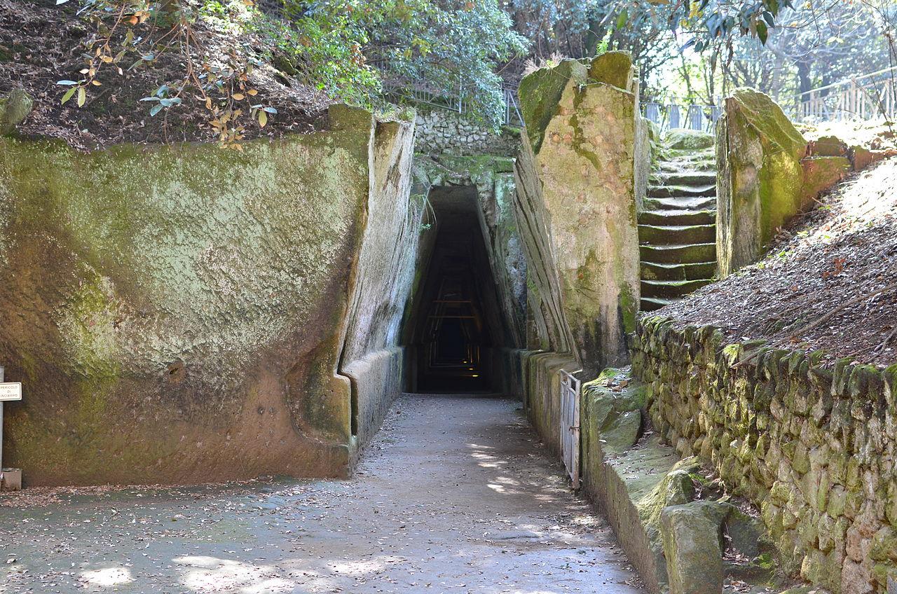 Grotta della Sibilla Cumana