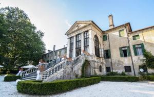 Villa Ca Conti, back stair