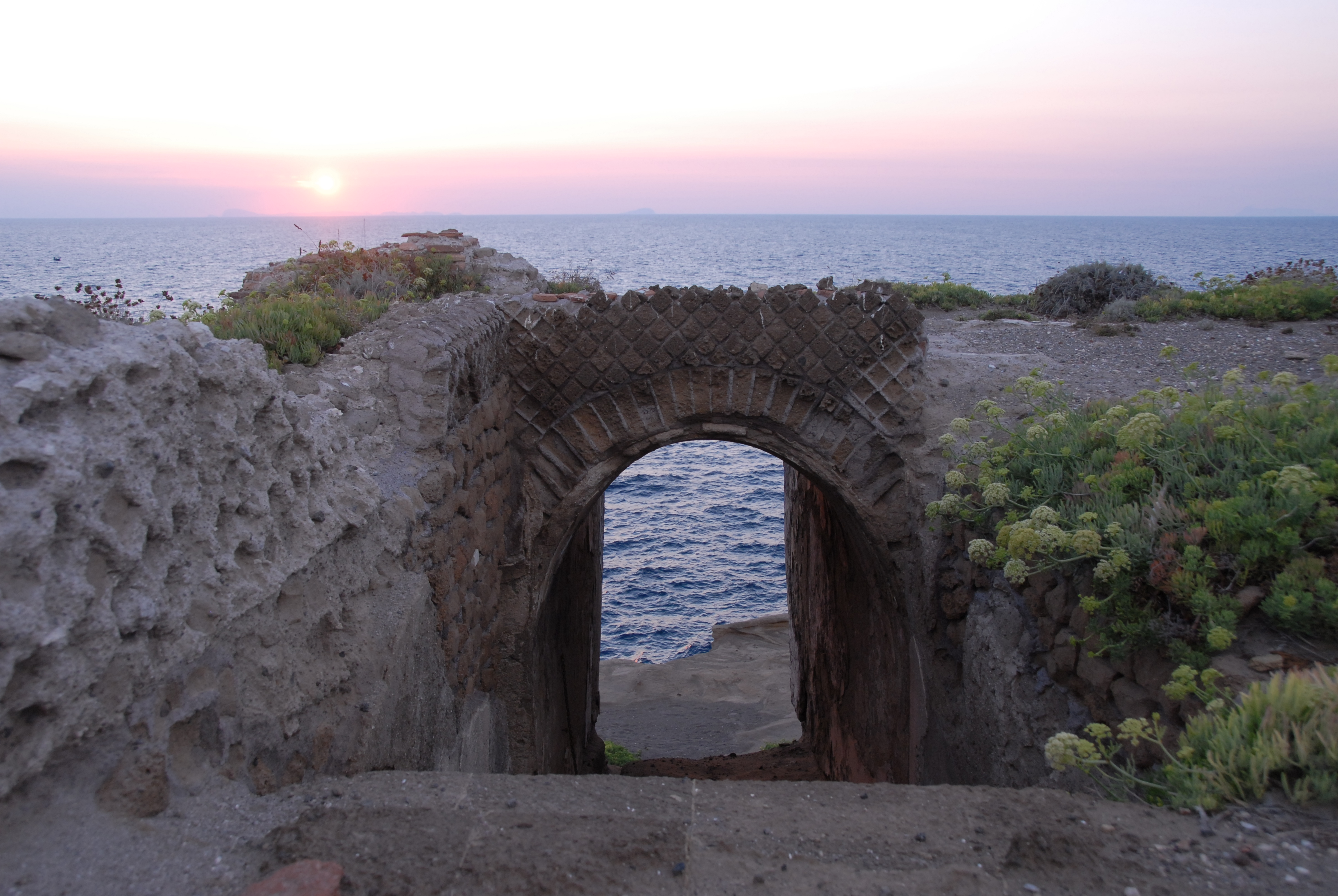 Ventotene, by IslandVita (Wikimedia Commons)