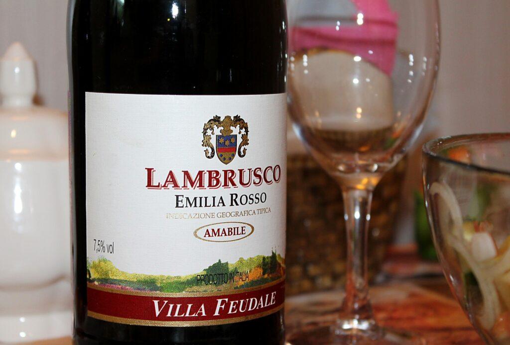 Emilia food: Lambrusco wine