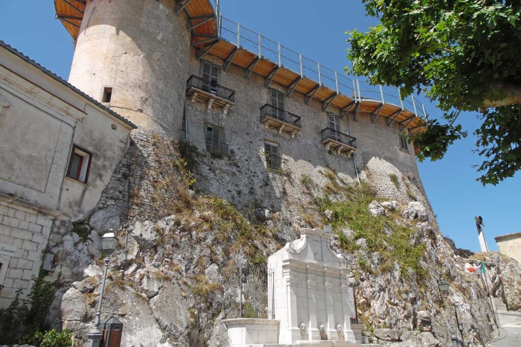macchiagodena castle