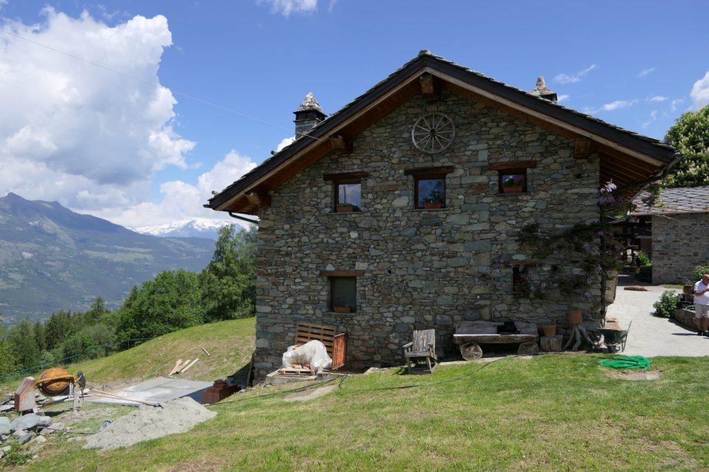 Aosta Valley: Farm house