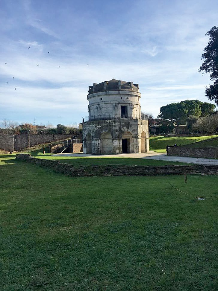 Mausoleum of Theodoric, precious monument easily accessible a connection path